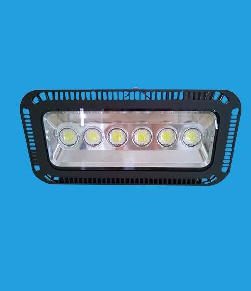 浅述led球场灯的四角布置安装方式